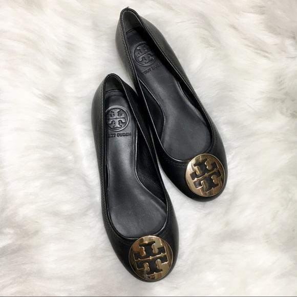 12421818a Tory Burch Reva Black Ballerina Flats Gold Emblem.  M 5a90fe3584b5ce58335ed50a